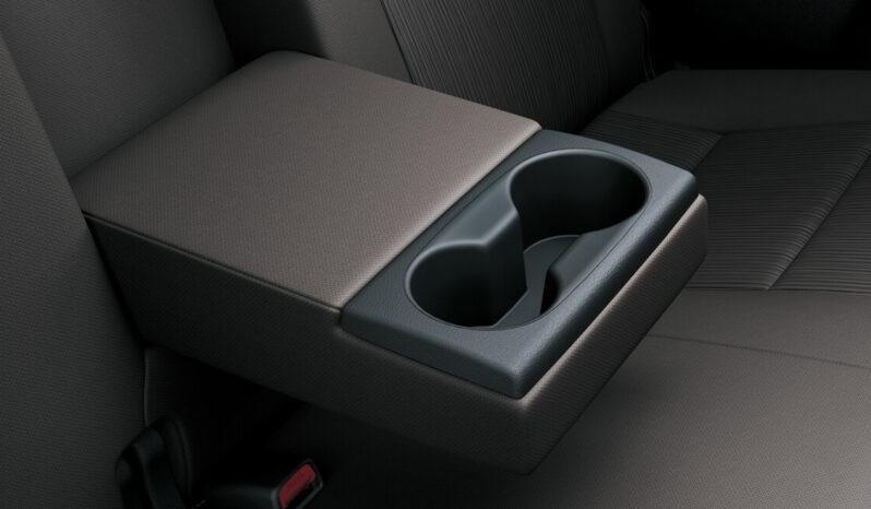 Toyota Revo full