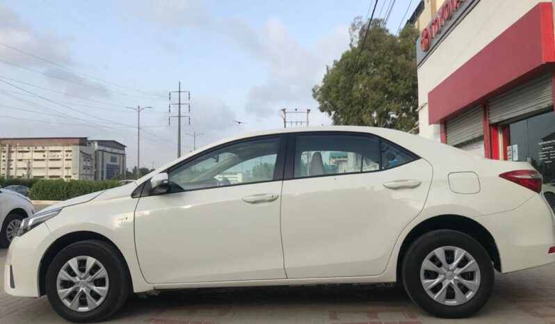IMMACULATE CONDITION COROLLA GLI AT 2017,WHITE COLOR ONLY 73,000KM DRIVEN,WITH 6 MONTHS OR 10,000KM WARRANTY ON ENGINE AND GEARBOX. full